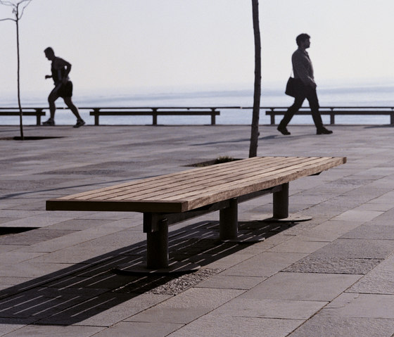 Nu by Santa & Cole | Exterior benches