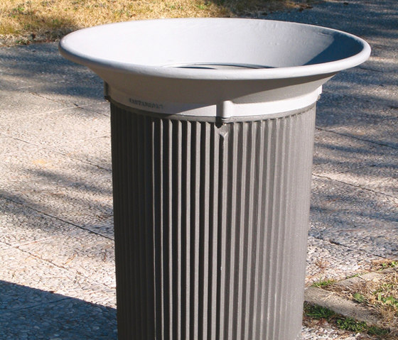 Rodes litterbin by Santa & Cole | Exterior bins