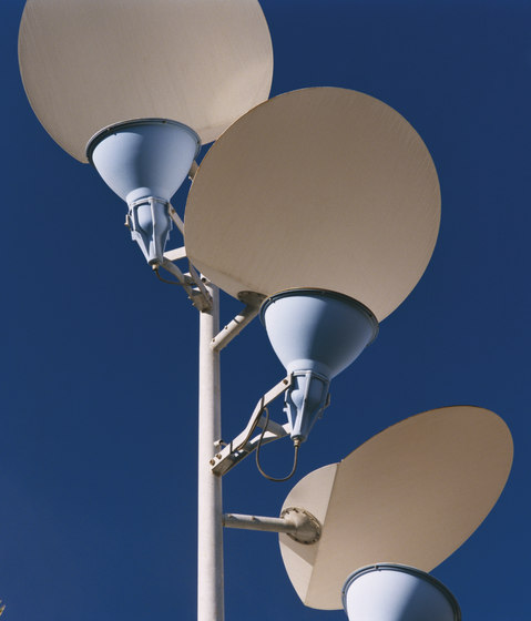 Lampelunas by Santa & Cole | Street lights