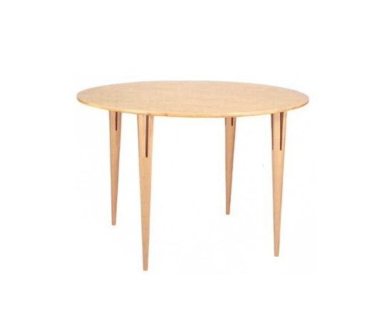 Table with split legs by Bruno Mathsson International | Dining tables