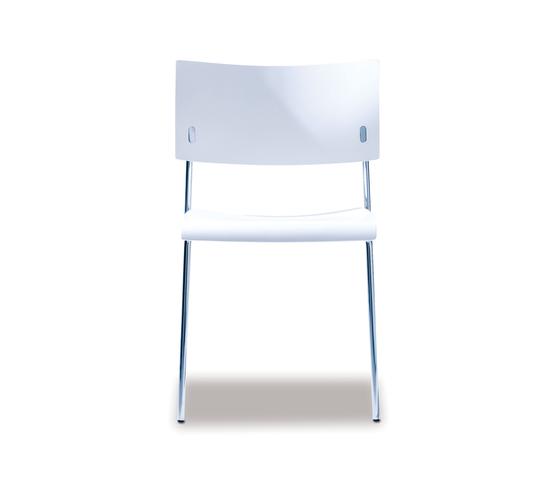 Giorgio stacking chair de Lampert | Chaises