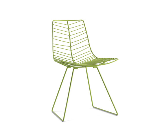 Leaf | 1802 by Arper | Garden chairs