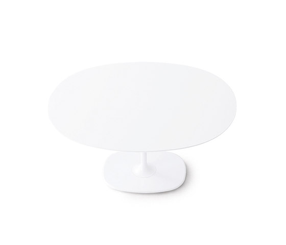 Dizzie | H 74 - Oval base by Arper | Restaurant tables