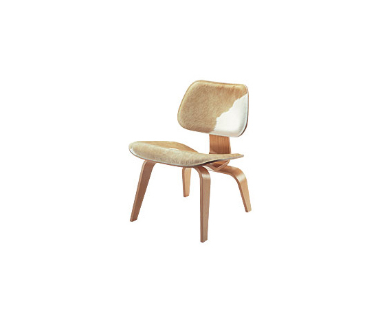 Plywood Group LCW Calf's Skin by Vitra | Lounge chairs