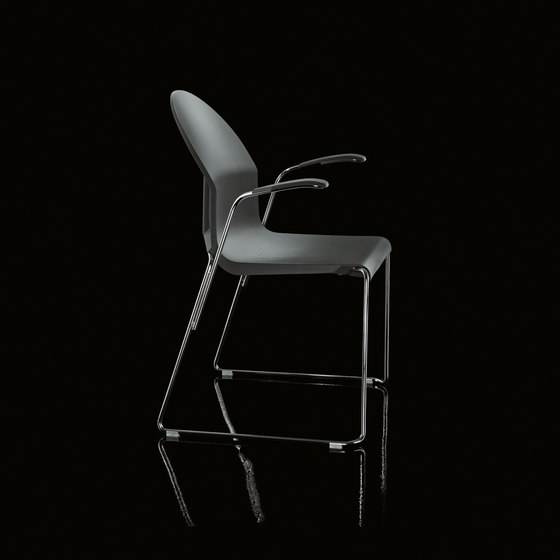 Aida Chair Braccioli by Magis | Visitors chairs / Side chairs