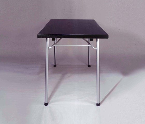 S 319 folding table di Wilde + Spieth | Tavoli seminario