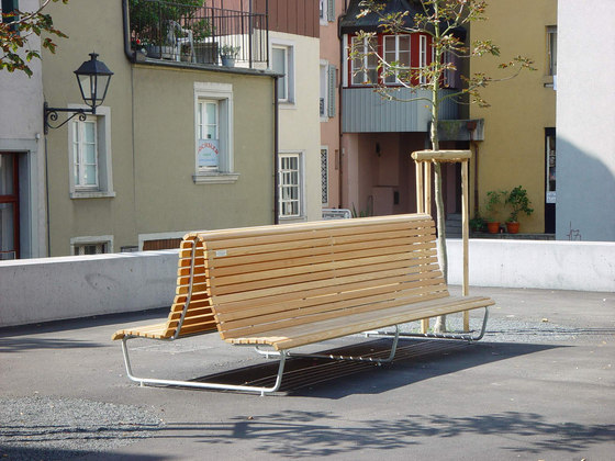 Landi special double with low backrest by BURRI | Exterior benches