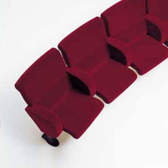 Teatro by Meritalia | Auditorium seating