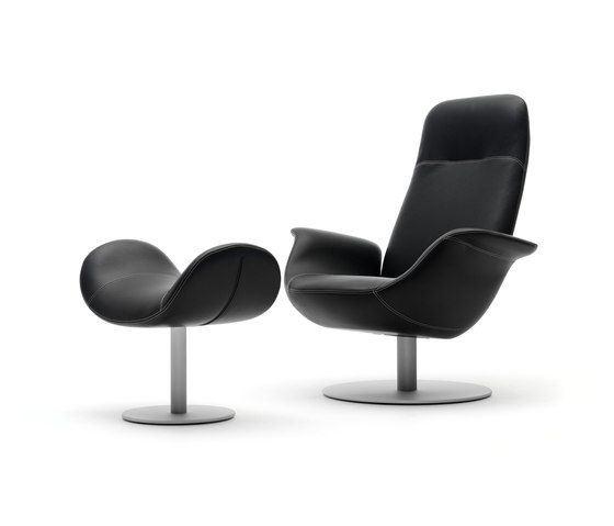 Pearl EJ 210 by Erik Jørgensen | Lounge chairs