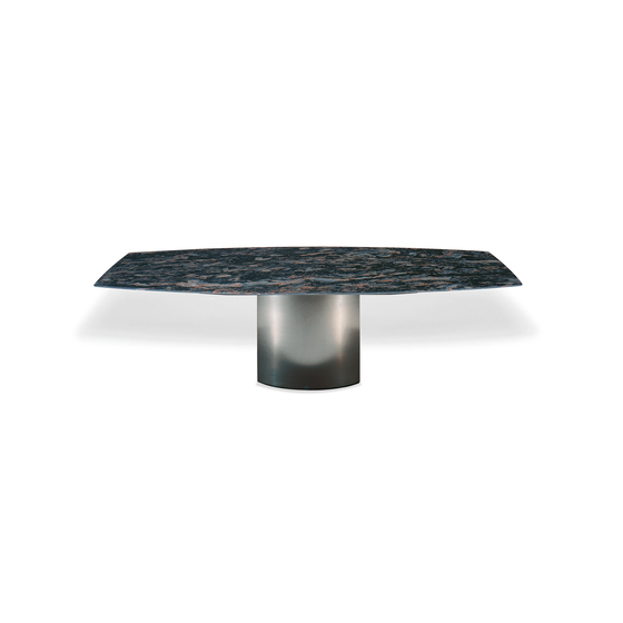 Adler I | 1222 by Draenert | Dining tables