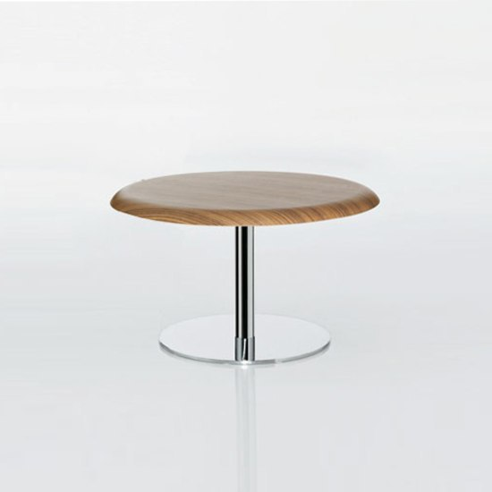 Gubi Lounge table by GUBI | Coffee tables