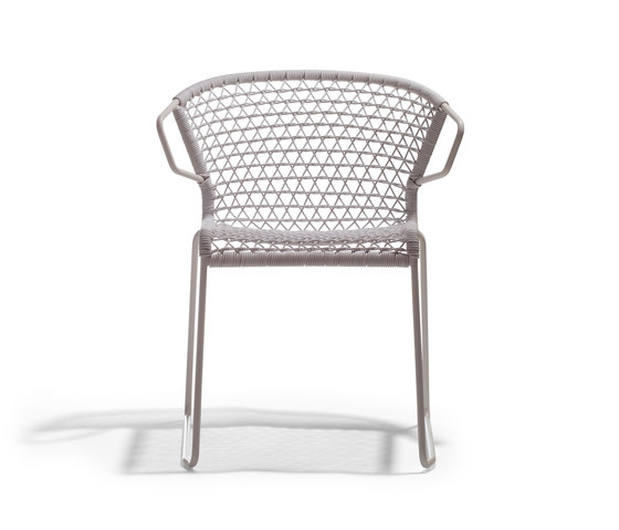 Vela Armchair P by Accademia | Restaurant chairs
