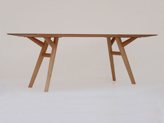 mantide by nut + grat | Dining tables