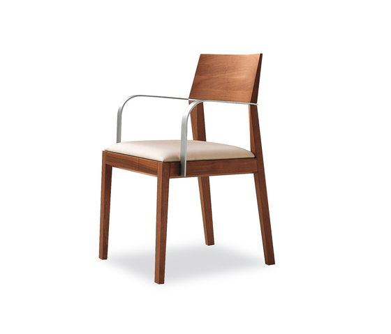 Tendence | 140 by Tonon | Restaurant chairs