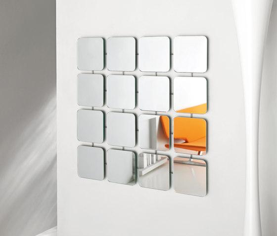 Bungalow square von Tonelli | Spiegel