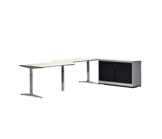 Mehes Desk System by Ahrend   Individual desks