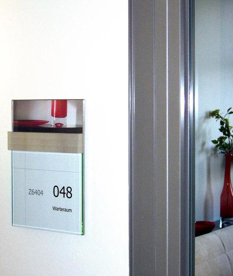 quintessenz Door plate change displays by Meng Informationstechnik | Symbols / Signs
