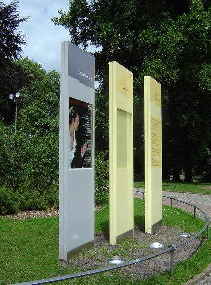 quintessenz columns by Meng Informationstechnik | Information totems