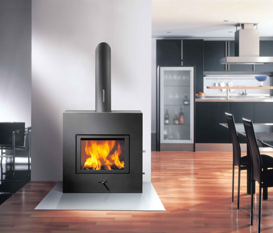 X-BASIC by Attika Feuer | Wood burning stoves