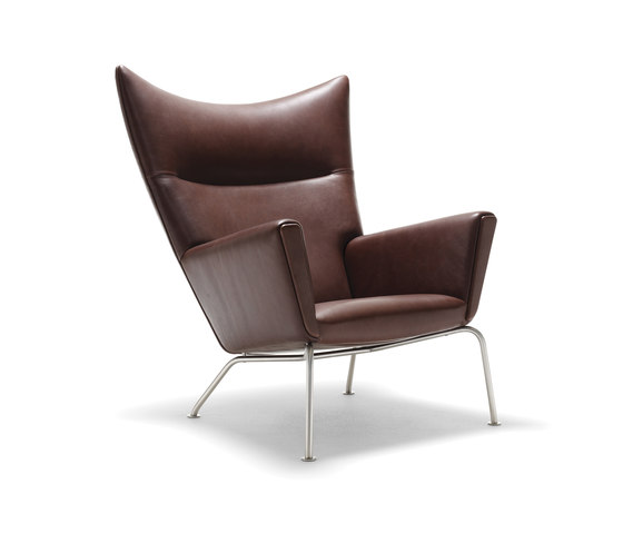 CH445 Wing Chair by Carl Hansen & Søn | Lounge chairs