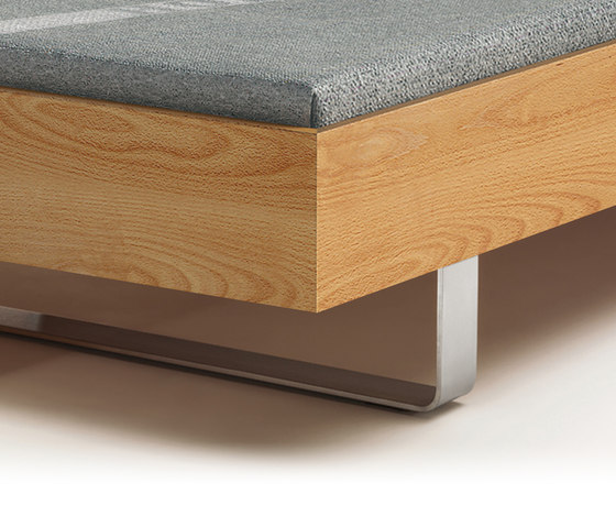 STEP G Bett von Holzmanufaktur | Doppelbetten