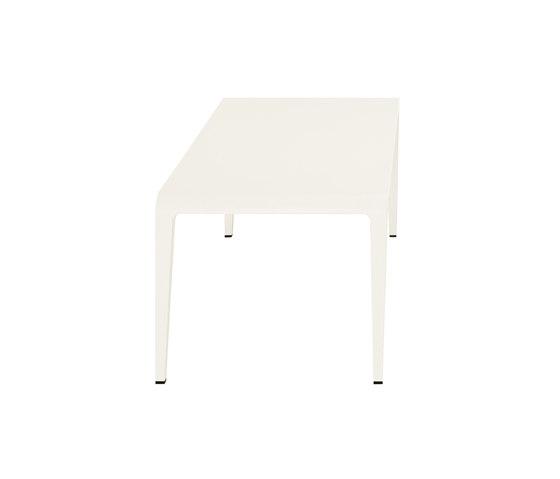 ilvolo 390 by Alias | Restaurant tables
