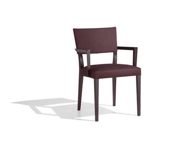 Britt SO 1053 by Andreu World | Restaurant chairs