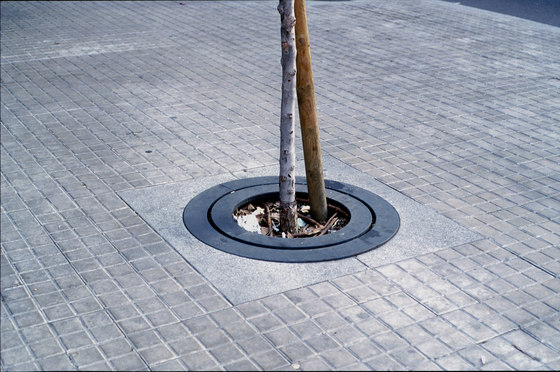Carmel | Tree Grate by Escofet 1886 | Tree grates / Tree grilles