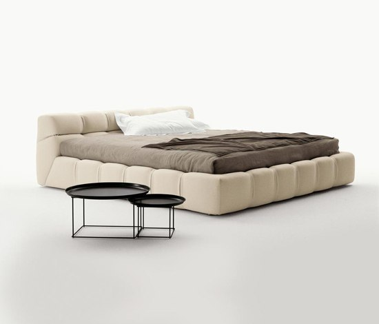 tufty bed by b b italia product. Black Bedroom Furniture Sets. Home Design Ideas