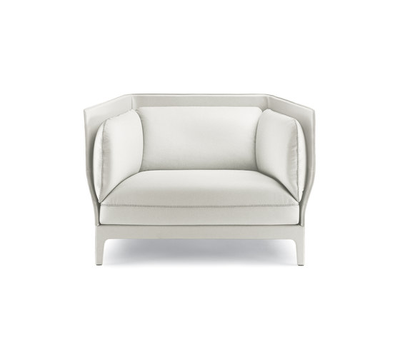 Alone by Poltrona Frau | Lounge chairs