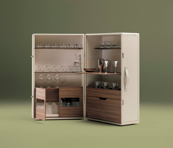Isidoro by Poltrona Frau | Drinks cabinets