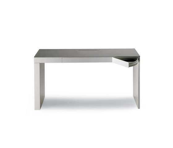 Segreto by Poltrona Frau | Desks