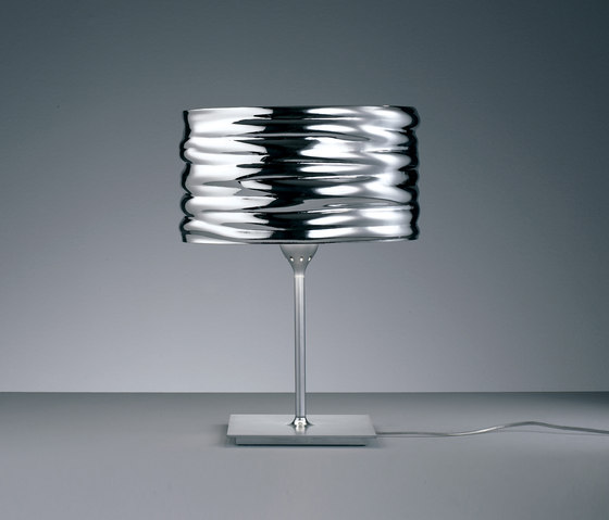 Aqua Cil Table Lamp by Artemide | General lighting