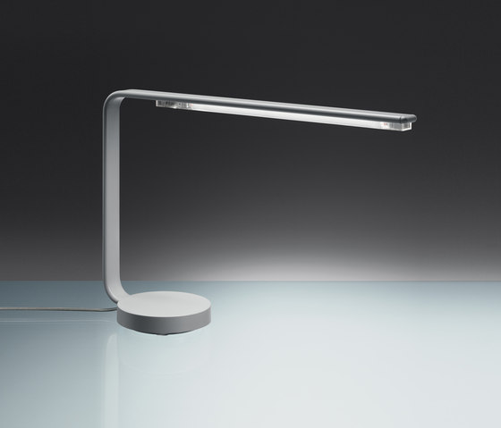 One line table lamp by Artemide | Task lights