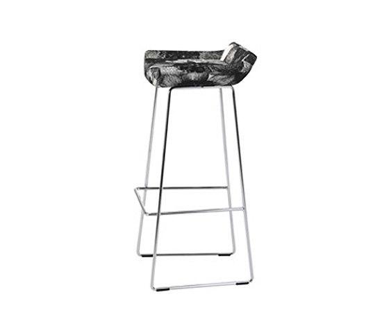 Happy higher bar stool de Swedese | Tabourets de bar