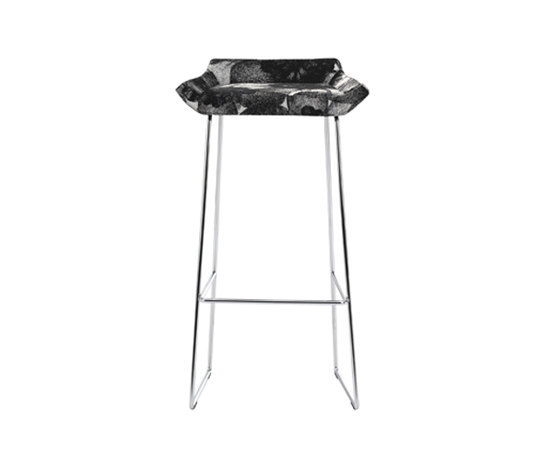 Happy higher bar stool de Swedese | Tabourets de bar