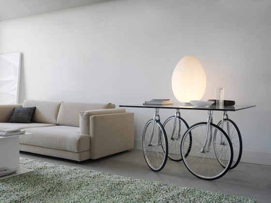 Tour Table by FontanaArte | Dining tables