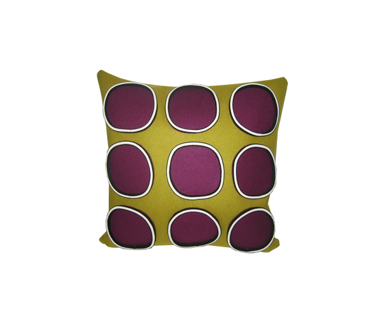 Bold 9 circle cushion by ANNE KYYRÖ QUINN | Cushions