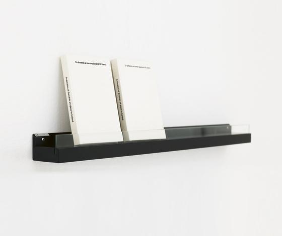 Front Ledge FR2 100 de Karl Andersson | Porte-revues