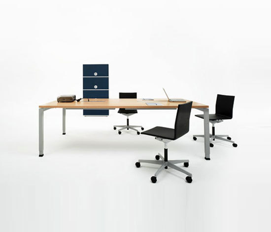 D3 Desk and Conference table di Denz