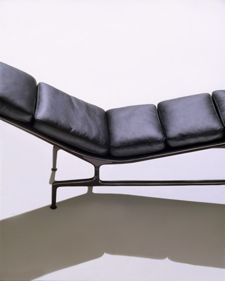 eames chaise di herman miller prodotto. Black Bedroom Furniture Sets. Home Design Ideas