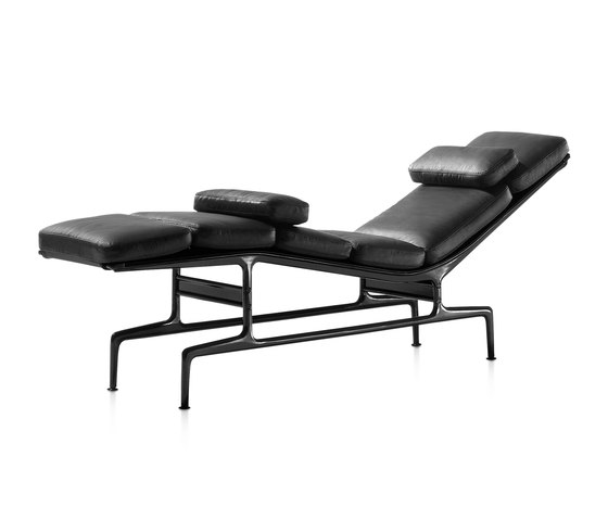 Eames Chaise by Herman Miller | Chaise longues