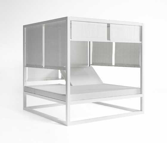 Daybed | Daybed Raised Reclining by GANDIABLASCO | Gazebos