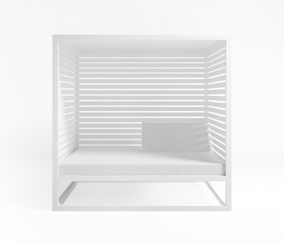 Daybed | Daybed Raised Reclining with Fixed Slat by GANDIABLASCO | Gazebos