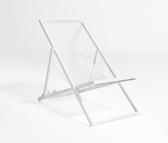 Picnic Deckchair by GANDIABLASCO | Sun loungers
