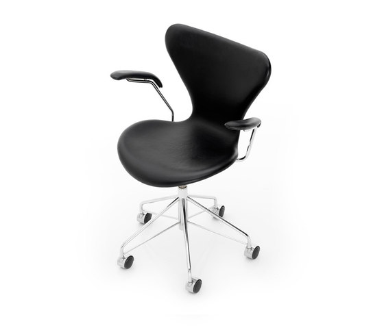 Series 7™ Model 3217 de Fritz Hansen | Sillas de oficina