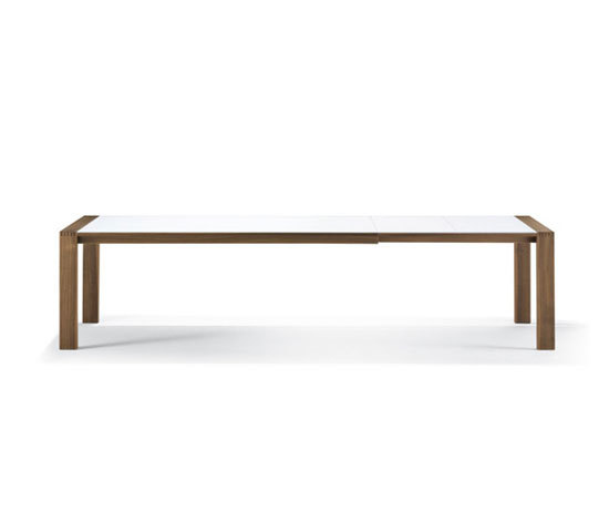 SPIRIT Table by Girsberger | Dining tables