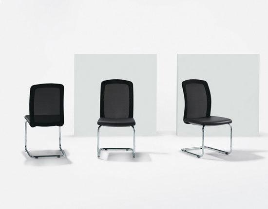 TWIST Cantilever chair di Girsberger | Sedie