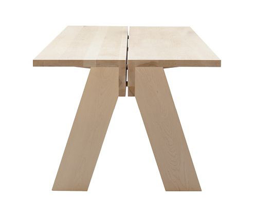 Jonas table by Pilat & Pilat | Dining tables