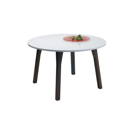 Sandra Round Table by ASPLUND | Dining tables